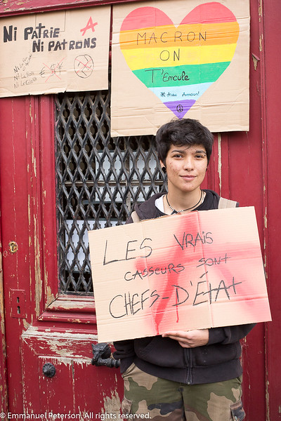 Châtellerault, devant un meeting d'Emmanuel Macron