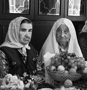 Tatar women, Bakhchisarai