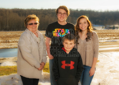 Ruth Lewis and Kelly Lehman's Family-December 25, 2016-9084-Edit