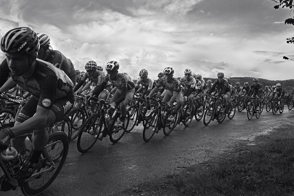 Tour Of Britain; approaching Gretton, Gloucestershire