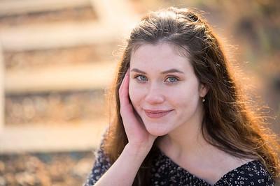 Emily (25)