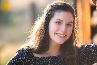 Emily (18)