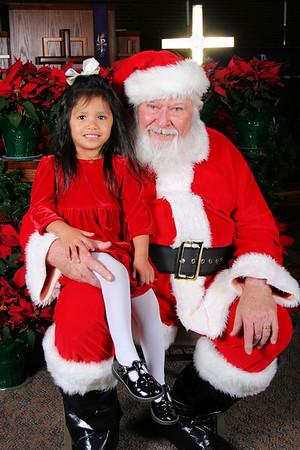 2009-12-04 Heritage Preschool Santa Portraits