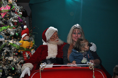 2011 Santa Photo 048