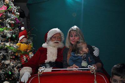 2011 Santa Photo 047