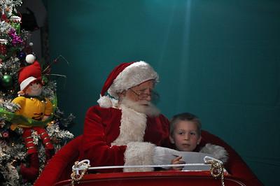 2011 Santa Photo 044