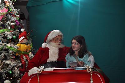 2011 Santa Photo 043
