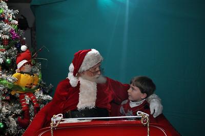 2011 Santa Photo 025