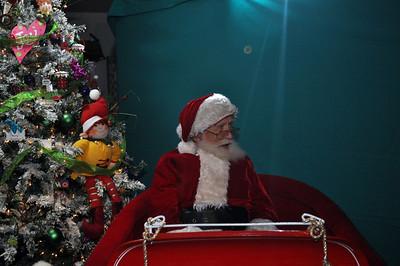 2011 Santa Photo 016