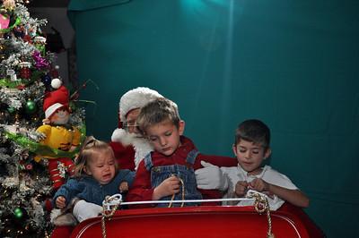 2011 Santa Photo 037