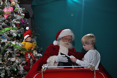 2011 Santa Photo 019