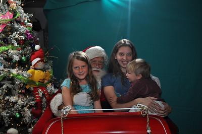 2011 Santa Photo 022