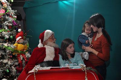 2011 Santa Photo 042