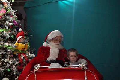 2011 Santa Photo 045