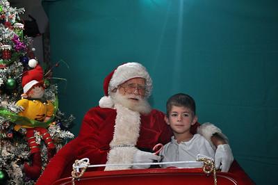 2011 Santa Photo 034