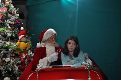 2011 Santa Photo 040