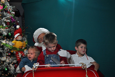 2011 Santa Photo 039