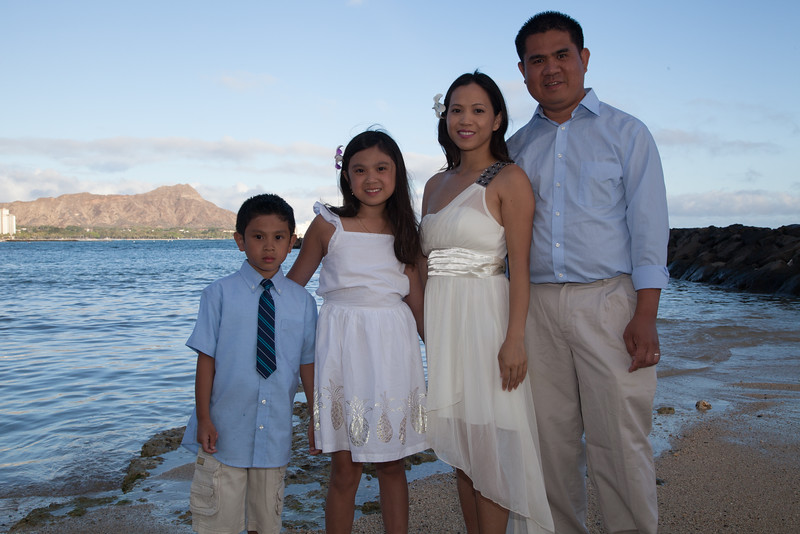 Nguyen Family-0004