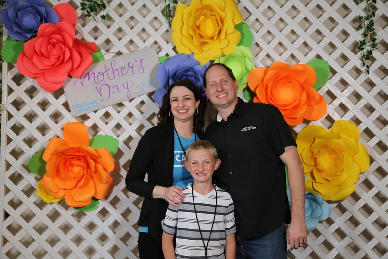 2018-05-13 Mother's Day Portraits 9am before service
