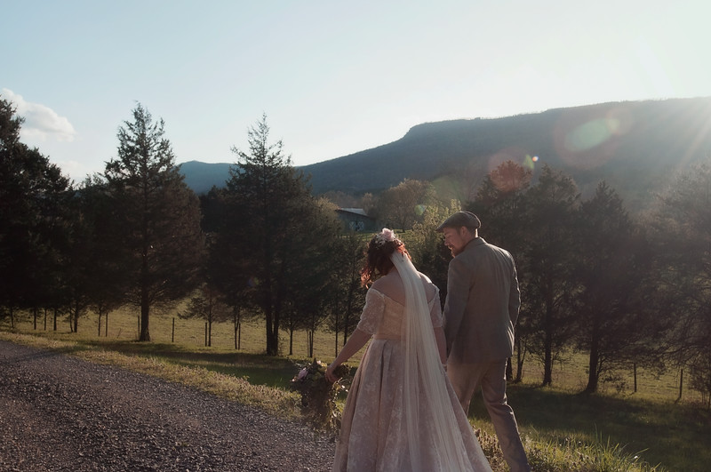 2018-Josh-and-Brittany-Wedding-415