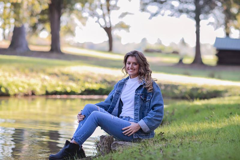 2019-Senior-Callie-29