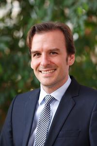 Dr Jochen Menges