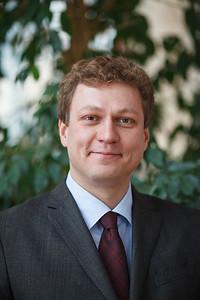 Dr Peter G. Szilagyi