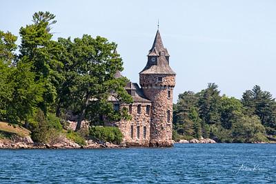 Boldt Castle Pumphouse 0068 EDIT LOGO