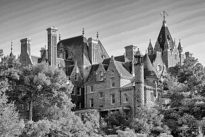 Boldt Castle 0446 FULL CONTRAST LOGO