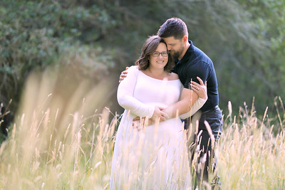 Amanda & Josh's Maternity Shoot