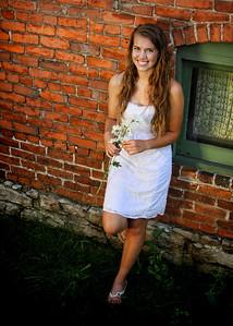 Arianna IMG_7842 warm2 pinhole
