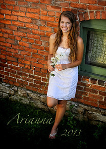 Arianna IMG_7842 warm2 pinhole NAME