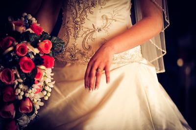 Portraits & Weddings