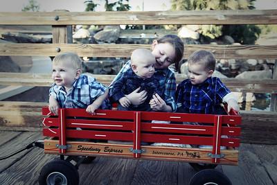 Great Grandkids 3 Lomo