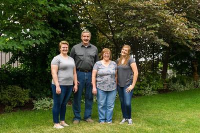 AG_2018_07_Bertele Family Portraits__D3S3854-2