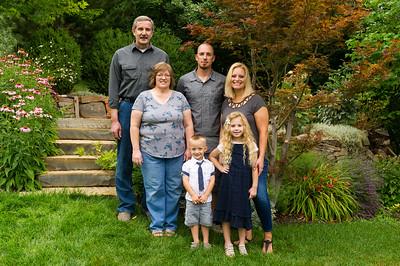 AG_2018_07_Bertele Family Portraits__D3S3764-2