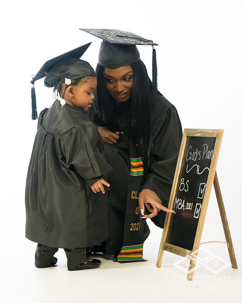 Brandy Lampkin Graduate-01639
