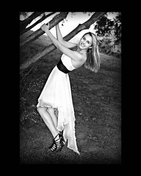 _Cassie (100) BW-Border 16x20