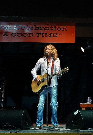 "IMG#2101 Bucky Covington performing in Rosenhayn, New Jersey Open Air, ""Concert on the Green""- October 11, 2009"