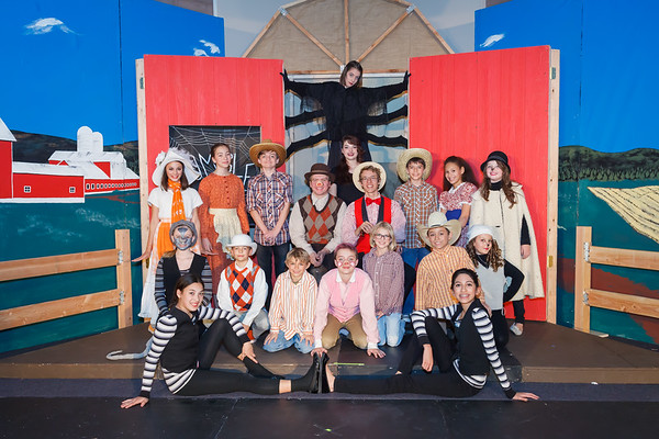 {play} Charlotte's Web Cast