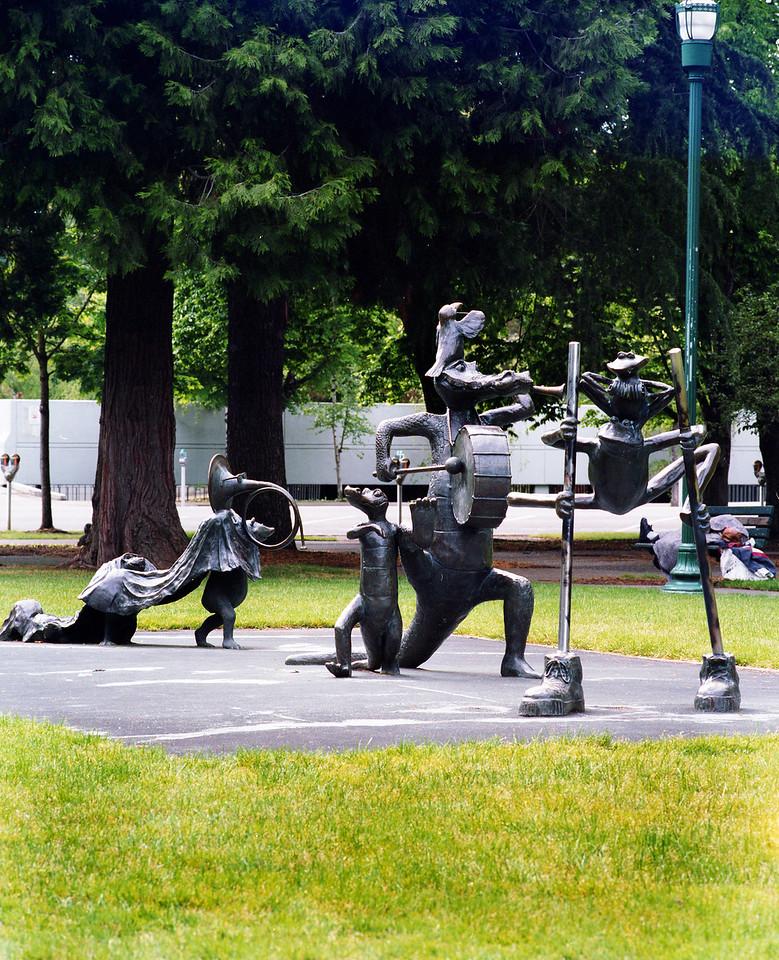 Sculpture Garden outside Oregon Statehouse