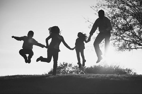 Creative and Modern Family Photography in Sacramento CA by Mayumi Acosta