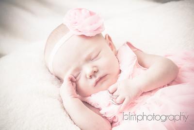 Ava-Lebrecque_Newborn-187