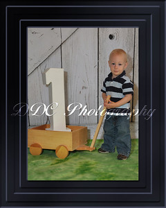 Single Portrait with Decorative Border - Sample 1 - available in 4 different sizes