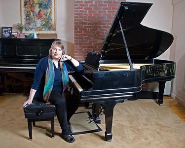 Shaylor Lindsey, Pianist, Follen Church