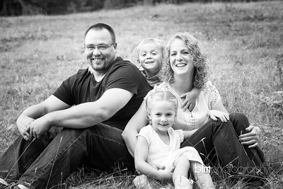 Saari-Family-6858_08-27-14 - ©BLM Photography 2014