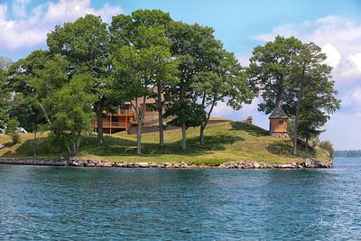 Friendly Island 9998 SMALL LOGO