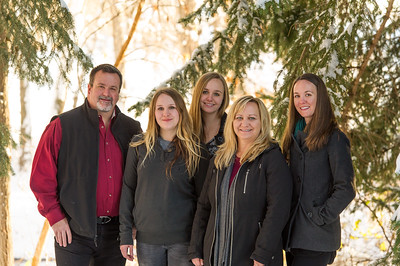 2016_DaBell Winter Family Portraits_0041