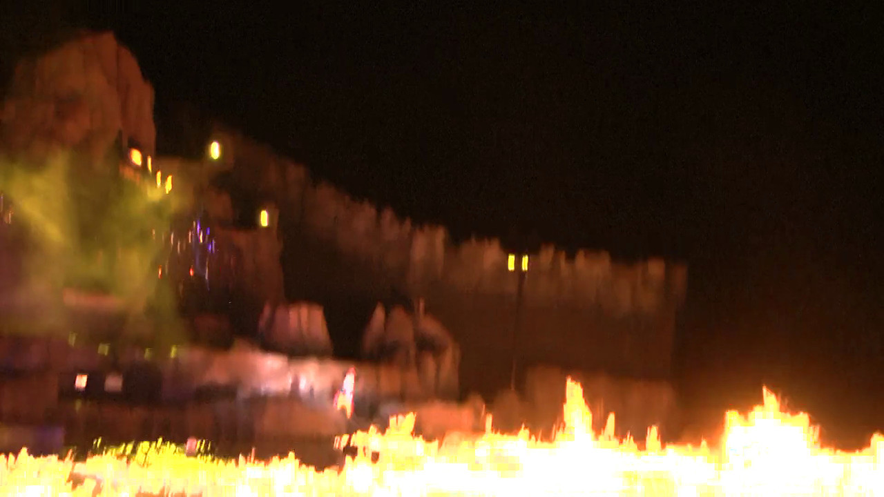 Fantasmic Mickey puts out fire