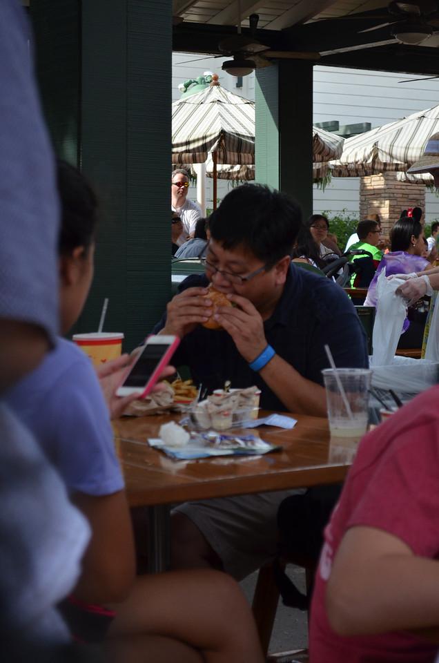 Good Burger near Tower of Terror